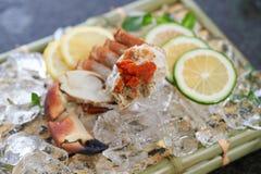 Behälter von frischen Meeresfrüchten Stockbild