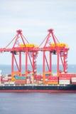 Behälterfrachtlastkahn Fremantle West-Australien Stockfoto