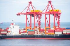 BehälterFrachtschiff Fremantle West-Australien Lizenzfreie Stockbilder
