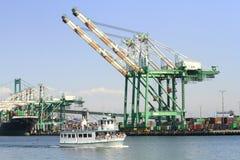 Behälterkran an Los Angeles-Hafen stockfoto