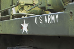 Behälternahaufnahme mit Text AMERIKANISCHER Armee auf ihr Stockfoto