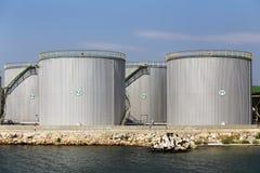 behållare för lagring för växt för industrioljepetrochemical royaltyfria bilder