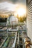 Behållare för sfärer för gaslagring i petrokemisk växt Royaltyfria Bilder