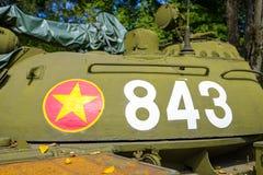 Behållare för vietnames T-54 på självständighetslotten Arkivfoton
