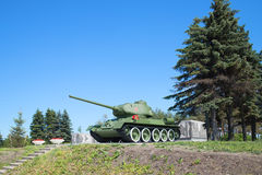 Behållare T-34-85, juny dag Pulkovo höjder, St Petersburg Royaltyfria Bilder