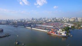 Behållarelastfartyg, importexport, för distributionskedjatrans. för affär logistiskt begrepp arkivfilmer