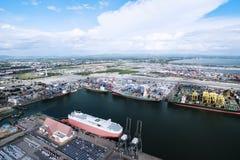 Behållarelastfartyg, importexport, logistisk tillförsel ch för affär Royaltyfri Bild