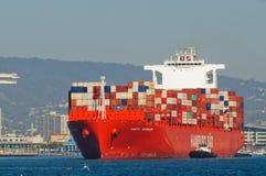 Behållareskepp i den Oakland hamnen Arkivbilder