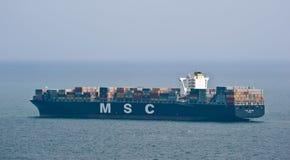 Behållareskepp MSC Luciana på sjögångarna Östligt (Japan) hav Stillahavs- hav 07 06 2014 Arkivbilder