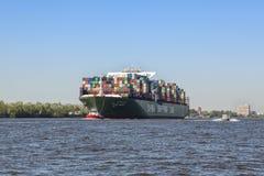 Behållareskeppet CSCL FÖRDÄRVAR på Elbe River på Hamburg royaltyfria foton