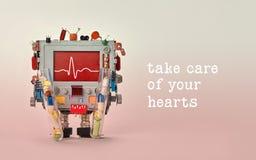 Behandel uw hartencitaat De lijn van de de monitorhartslag van het dokterscardiogram op rode vertoningscardiograaf Robotkarakter  Royalty-vrije Stock Foto