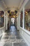 Behandelde Arcade van Winkels, Glastonbury stock fotografie