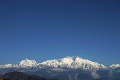 Behandelde de sneeuw zet Kangchenjunga, Himalayans op royalty-vrije stock foto's