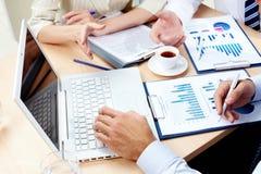 Behandeln von Resultaten Lizenzfreies Stockfoto