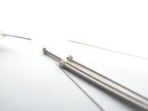 behandla med akupunktur hypodermatiska visare Fotografering för Bildbyråer
