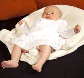 behandla som ett barn att koppla av för kudde Fotografering för Bildbyråer