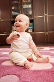 behandla som ett barn att leka för flicka Royaltyfri Foto