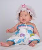 behandla som ett barn att skratta royaltyfri bild