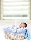 behandla som ett barn att sova Royaltyfria Foton