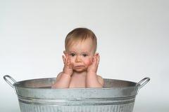 behandla som ett barn badar Royaltyfria Bilder