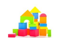 behandla som ett barn block som bygger s Arkivbilder
