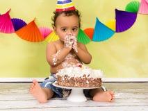 Behandla som ett barn den första födelsedagen Royaltyfria Foton