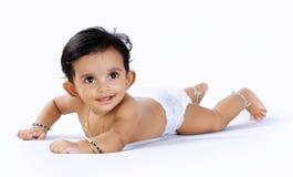 behandla som ett barn den gulliga indier Royaltyfri Foto