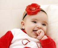 behandla som ett barn den härliga flickan Royaltyfria Bilder