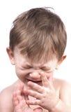 behandla som ett barn den isolerade pojkegråten Royaltyfri Bild