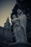 behandla som ett barn den jesus madonnaen Royaltyfri Fotografi