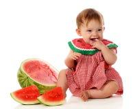 behandla som ett barn den lyckliga vattenmelonen Royaltyfri Bild