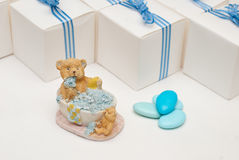behandla som ett barn den nya duschen för det födda pojkekortet Arkivbild