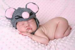 behandla som ett barn den nyfödda flickan Royaltyfria Foton