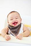 Behandla som ett barn, efter du matas Fotografering för Bildbyråer