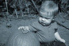 behandla som ett barn första s Fotografering för Bildbyråer