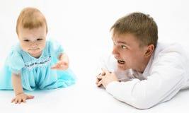 behandla som ett barn fadern arkivbilder