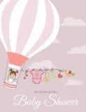 Behandla som ett barn flickaduschkortet med ballongen för varm luft Royaltyfria Bilder