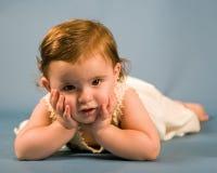 behandla som ett barn flickan Fotografering för Bildbyråer