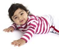 behandla som ett barn flickan henne den le tummyen för ståenden Royaltyfria Bilder