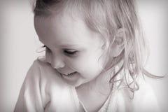 behandla som ett barn flickan little arkivbild