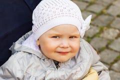behandla som ett barn flickan little Royaltyfria Foton