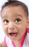 behandla som ett barn gulligt indiskt skratta Arkivbild