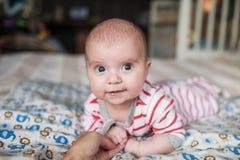 behandla som ett barn gulligt little Fotografering för Bildbyråer