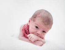 behandla som ett barn gulligt nyfött för pojke Royaltyfri Foto