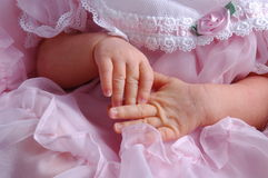 behandla som ett barn händer Royaltyfria Foton