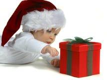 behandla som ett barn hatten santa royaltyfri bild