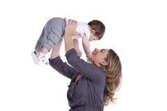 behandla som ett barn henne modersonen Arkivfoto