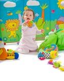behandla som ett barn isolerat leka Arkivbild