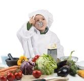 Behandla som ett barn kocksmaker Royaltyfria Foton