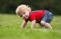behandla som ett barn lyckligt Royaltyfri Bild